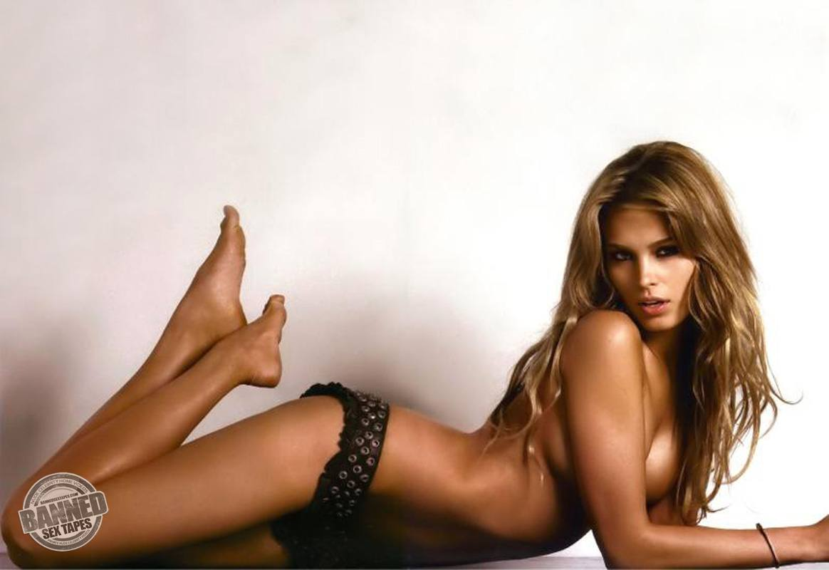 petra nemcova fully naked at largest celebrities archive